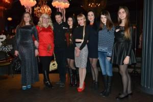 Учасники проекту з Віктором романченком (переможцем Х-фактору)
